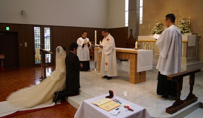 Cancela la boda en el altar tras decirle la novia que tiene pene