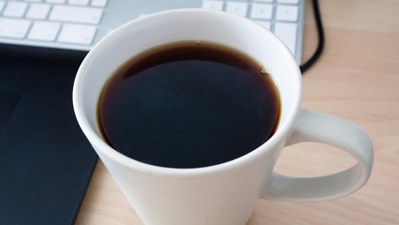 Masturbandose en un cafe - 5 2
