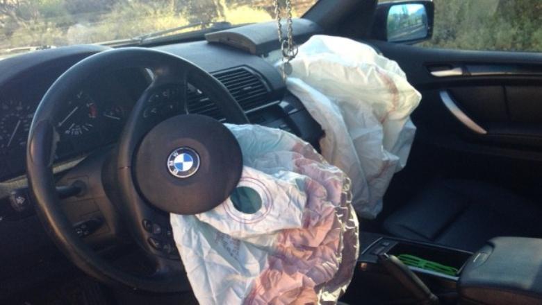 Salva la vida gracias al airbag y denuncia al fabricante porque le rompió sus gafas
