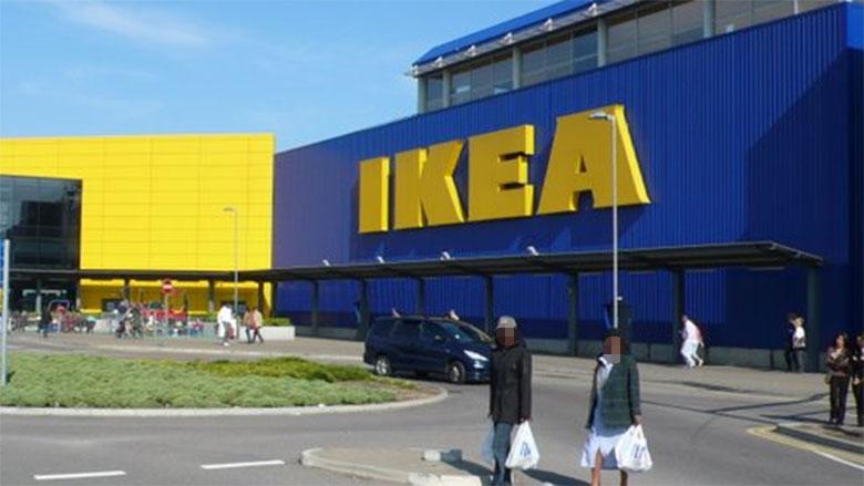 Expulsado del Ikea por esconderse en los armarios para dar sustos a los clientes