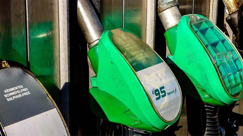 Será obligatorio carnet de manipulador de productos químicos para echarse gasolina
