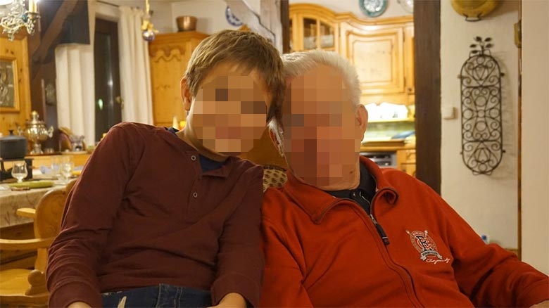 Reclama 1.100 euros mensuales a sus hijos por cuidar a sus nietos en verano