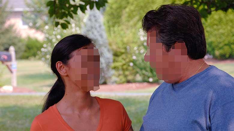 Descubre que su marido tiene una amante y le paga para que siga con él