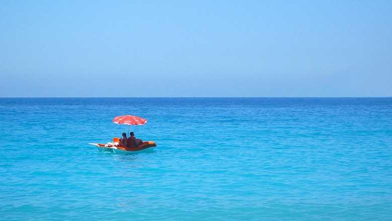 Rescatados en una barca de pedales cuando trataban de llegar a Ibiza