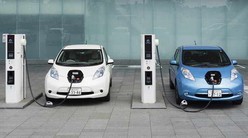 Obligados los fabricantes de coches eléctricos a ponerles campanitas para evitar atropellos
