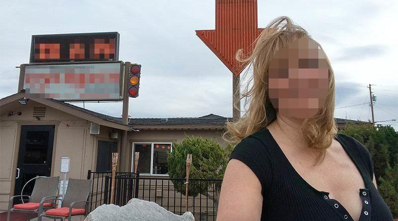 Lleva 2 años trabajando gratis en un puticlub para pillar dentro a su marido