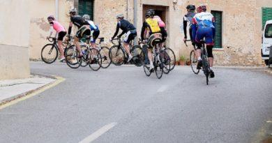Encuentran en un puticlub a los 8 ciclistas perdidos en el Tour de Francia