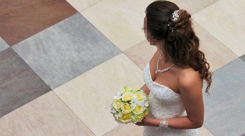 Ingresada en su noche de boda por no poder quitarse el vestido de novia