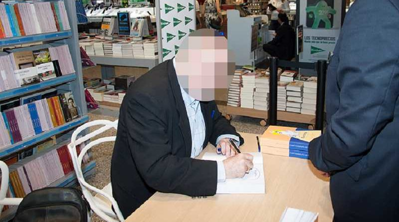 Detienen a un hombre que firmaba libros en El Corte Inglés porque no era el autor de ninguno