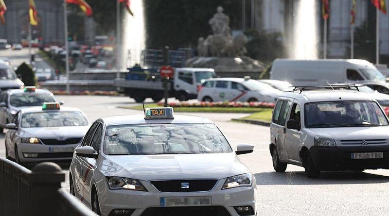 Taxista cobra 800 € a un cliente que se quedó dormido porque le daba cosa despertarle