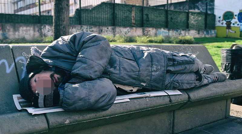 Desahucian a una familia y el marido prefiere vivir en la calle antes que irse a casa de su suegra