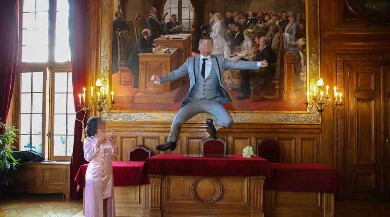 Se celebra en España el primer matrimonio de un hombre con su propia mano