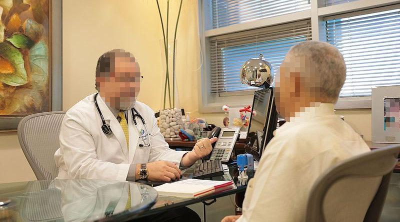 Psiquiatra intenta cobrar el doble a un paciente con transtorno de doble personalidad