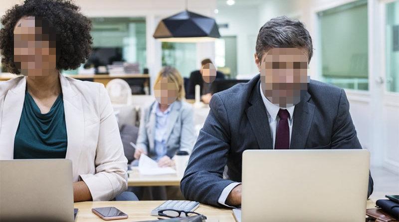 Lo echan de una entrevista de trabajo por masturbarse tras pedirle que se sintiera como en casa