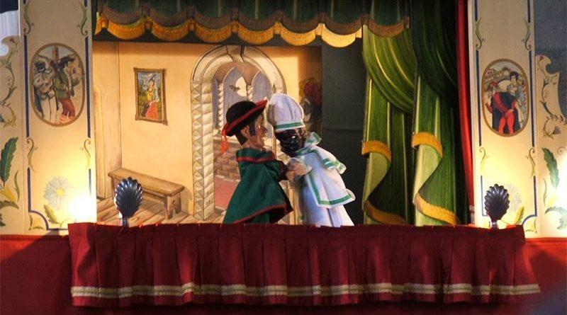 Detienen una función de marionetas tras detectar que las movían con el pene