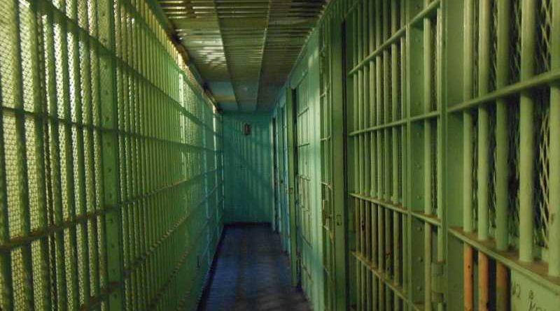 Varios reclusos se amotinan para pedir que vuelvan a poner pastillas de jabón en los baños