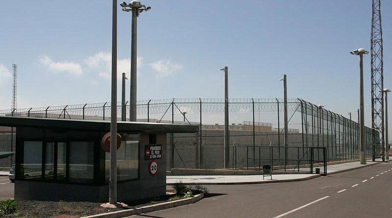 Preso se niega a salir de la cárcel porque tiene más sexo con su mujer en los vis a vis que en casa