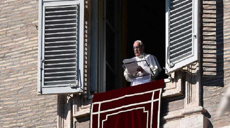 El Papa irá personalmente a la isla Sentínel a cristianizar a los aborígenes