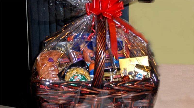 Puticlub regala cestas de Navidad a sus mejores clientes y causa 13 divorcios en el pueblo