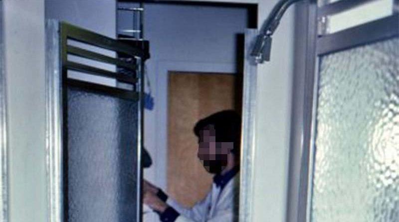 Un estudio demuestra que ducharse a diario produce que el pene se vaya encogiendo