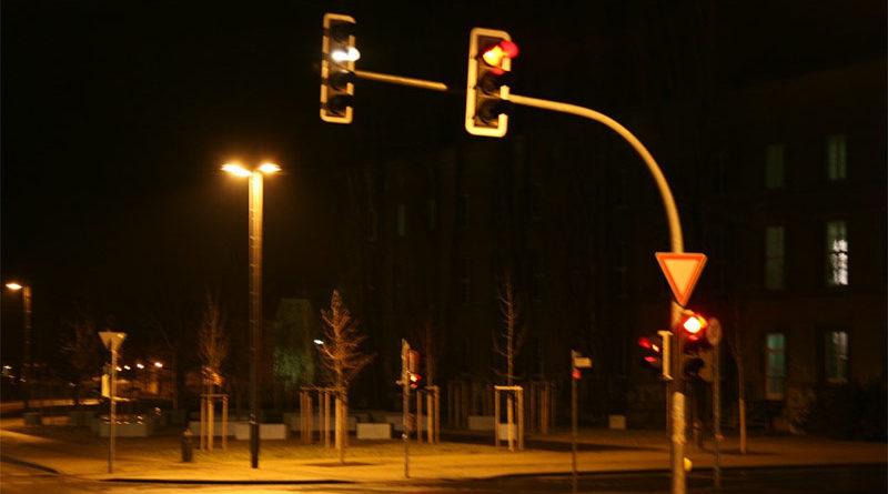 Conductor multado por masturbarse en un semáforo alega que tardaba mucho en ponerse verde
