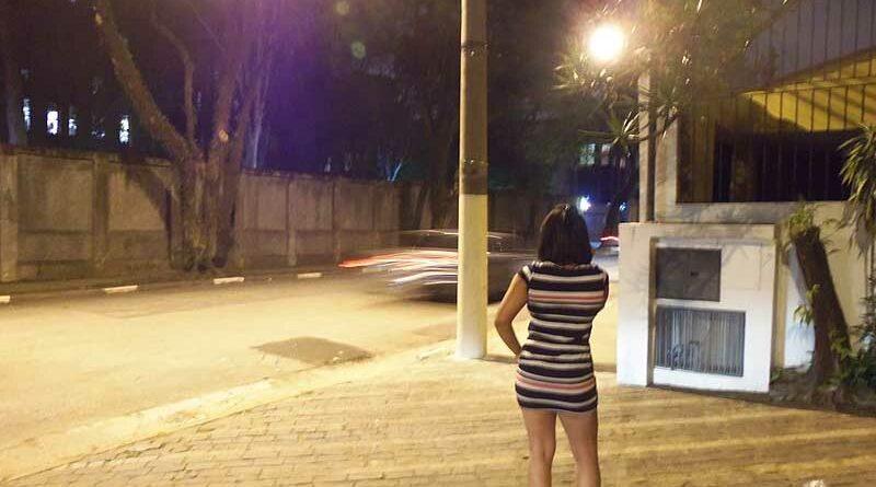 Despedida prostituta por no cobrar a su novio cuando tenían sexo