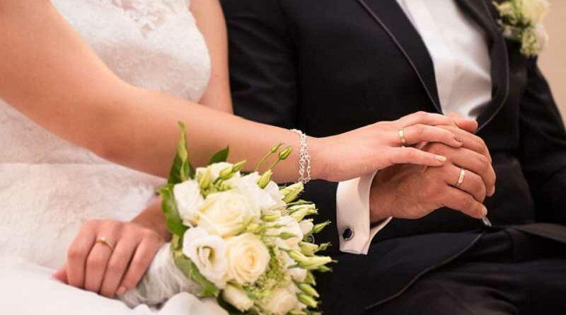 """Aparece calva el día de su boda y dice que se le fue la mano con """"Las ingles brasileñas"""""""
