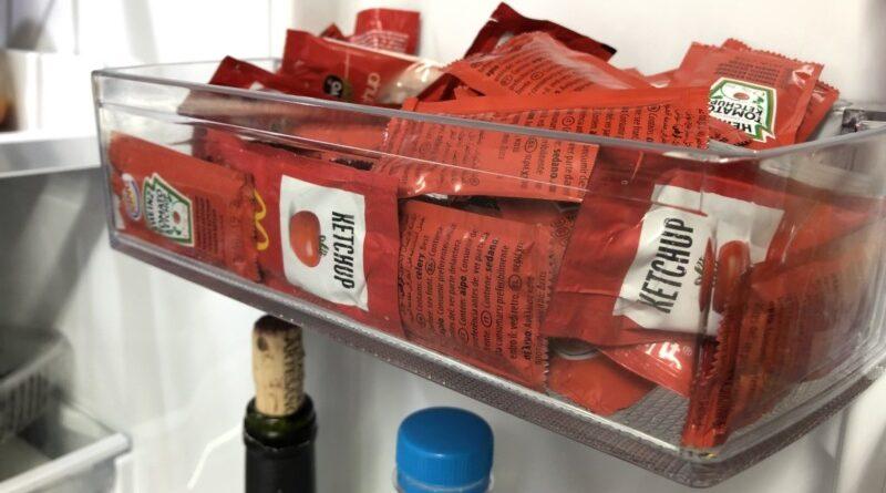 McDonald's mandará un inspector a cada casa para retirar los sobres de kepchut caducados