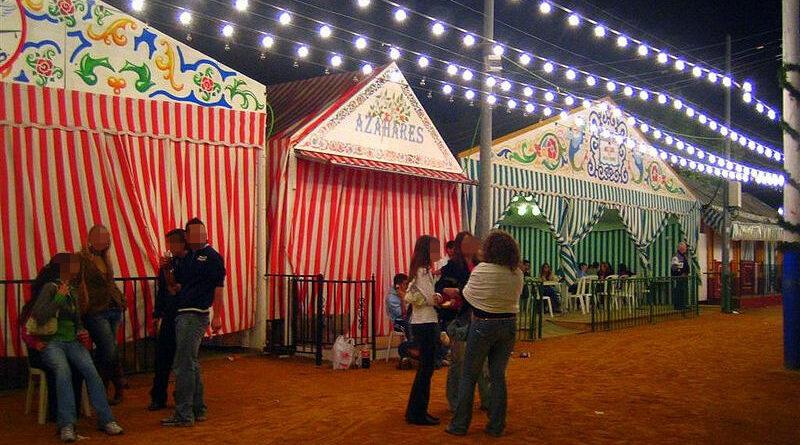 Unos okupas se atrincheran en una caseta de la Feria de Abril de Sevilla