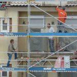 Un albañil es denunciado por cagar desde un andamio haynoticia