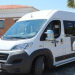Un autobús con 19 sacerdotes se avería junto a un puticlub donde son alojados hasta el día siguiente