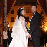 Se divorcia tras descubrir en la noche de bodas que su marido se mea en la cama