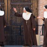 Cocinan por error setas alucinógenas en un convento y acaba en orgía