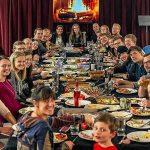 Contrata una familia para Nochebuena porque la suya no quedaba bien en Instagram