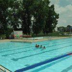 Las piscinas municipales habilitan un horario nocturno para mantener relaciones sexuales