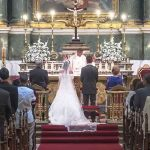 Fallece su padre la semana de la boda y lleva el ataúd a la ceremonia y al banquete