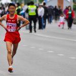 Gana una maratón porque se estaba cagando