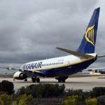Despliegan mascarillas de oxígeno en un vuelo Ryanair por el pedo de un pasajero